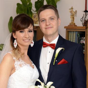 Małgorzata Kucharczyk, Kolczyki ślubne sutasz